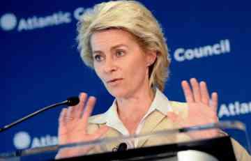 Ursula: Rusija vodi hibridni rat na istoku Ukrajine