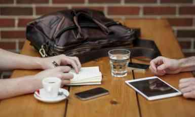 VIDEO: Ako nosite ovo, džeparoši više neće moći više da vam ukradu mobilni telefon