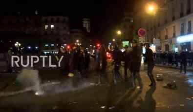 VIDEO: Neredi zbog ubistva Kineza, demonstranti palili kontejnere