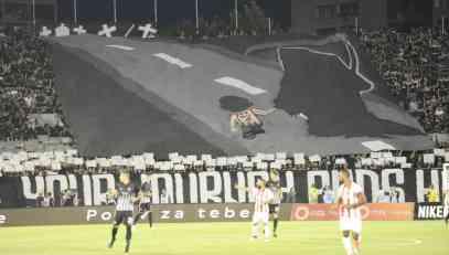 (VIDEO) TUČA NASTADIONA PARTIZANA: Grobari otkrili i prebili navijača Zvezde koji je ušao na stadion