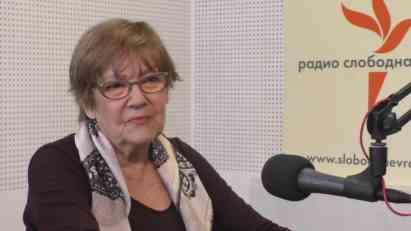 Vesna Pešić: Vučić ne uništava samo DS već i srednju klasu