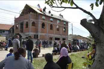 Vučić: Ambasadori pritiskaju zbog rušenja džamije