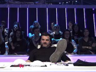 Zvezde Granda: Aca Lukas ponovo pao sa stolice, a onda dobio i batine! VIDEO