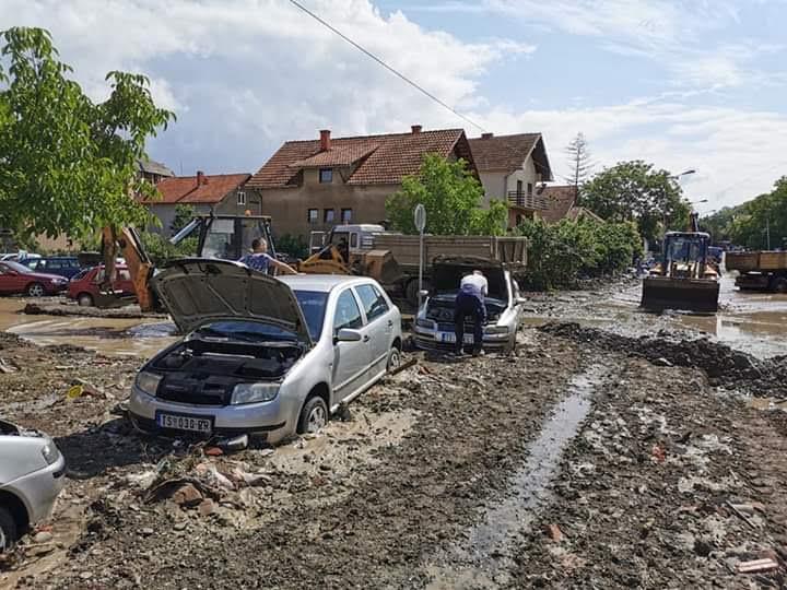 -Vanredna situacija u poplavljenim naseljima