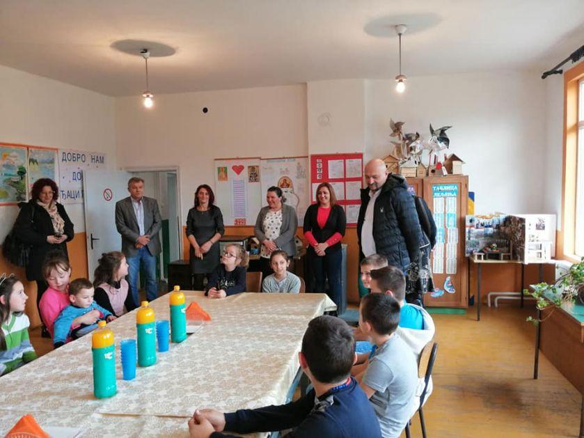 Predsednik Ćirić obišao radove u zoni I posetio  školu u Veluću