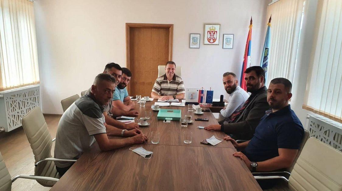 Medveđa: Dr Nebojša Arsić razgovarao sa predstavnicima Nacionalnog saveta Albanaca iz Bujanovca