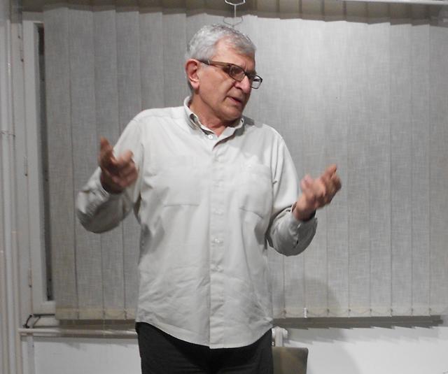 "Dragan Radović, pesnik, književni kritičar i urednik leskovačkog časopisa ""Naše stvaranje"""