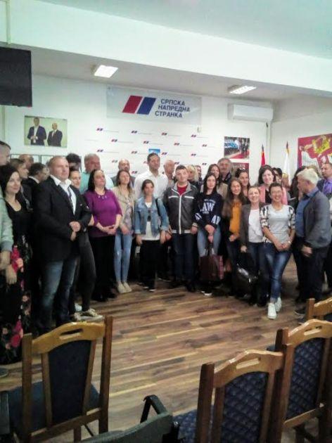 Čestitke predsedniku opštine i pohvala Kancelariji za mlade