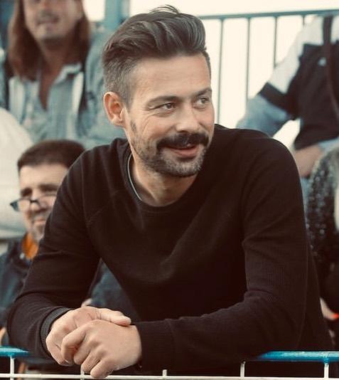 Toxic paparaco otkriva: Koja pevačica radi o glavi glumcu Milanu Vasiću?