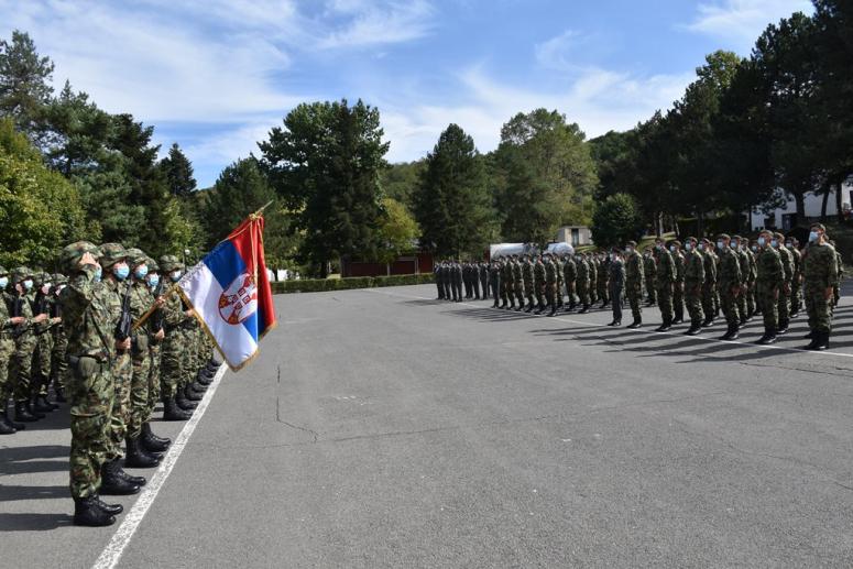 """KASARNA """"VOJVODA PETAR BOJOVIĆ"""": Vojnici septembarske klase položili zakletvu"""