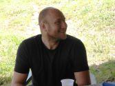 Miloš Tričković, nezaposleni profesor fizičke klture među jagodama