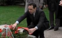 GODIŠNJICA: Vulin i radikali posetili grob Slobodana Miloševića