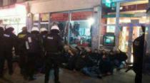NEREDI U VARŠAVI: Navijači Lacija gađali policiju kamenicama, flašama i noževima