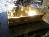 Na prodaju Xbox One prekriven zlatom
