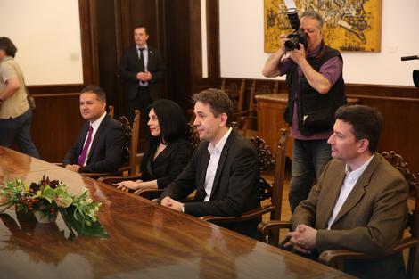 DJB: Nikolić saglasan da uvede praksu češćih susreta sa opozicijom