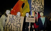 DOSTA IM JE PLJAČKE BAHATIH POLITIČARA: Rumuni hoće zemlju bez korupcije