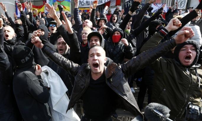 Haos u Briselu: Vodeni topovi i kordoni policije za neonaciste