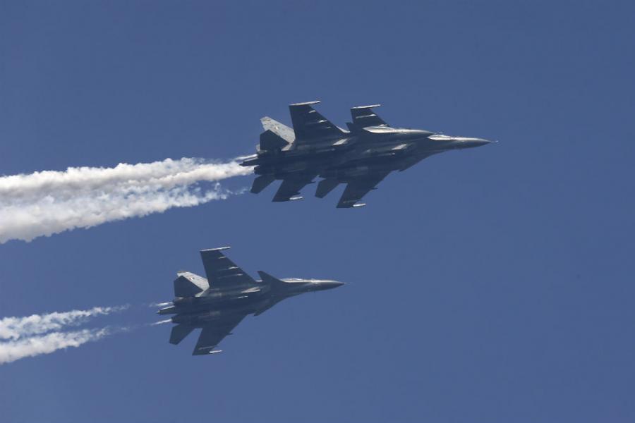 Iran kupuje ruske vojne avione Suhoj Su-30