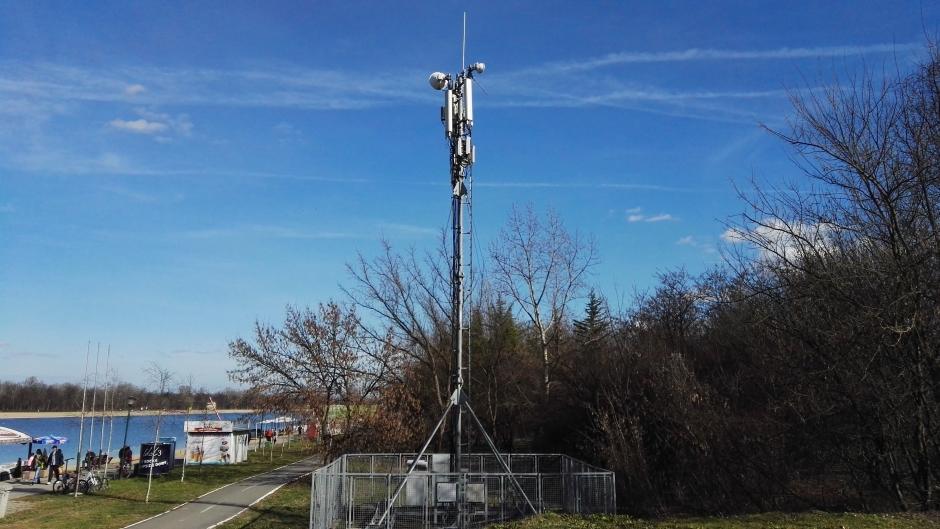 Izmerili smo koliko zrače telefoni i bazne stanice