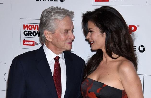 LJUBAV GODINE NE BROJI Njoj je 46 a njemu 71 i jedan su od najlepsih parova Holivuda