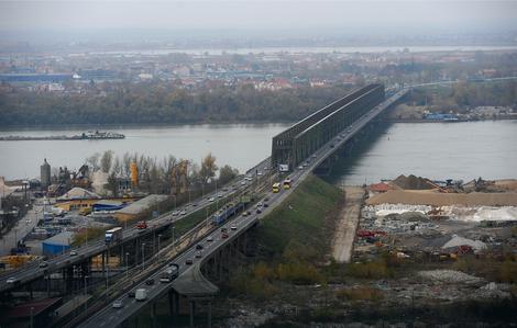 NOVI RADOVI Sutra uveče zatvaranje jedne trake na Pančevačkom mostu