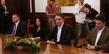 Nikolić je za češće susrete sa opozicijom