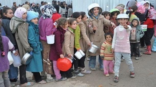 U Azez stiglo 40 hiljada izbjeglica iz Halepa: Ruski avioni su nas natjerali da pobjegnemo