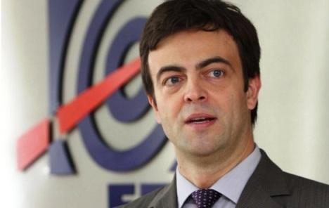 Vlada smenjuje Aleksandra Obradovića