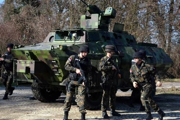 Žandarmerija isprobala nova borbena vozila FOTO