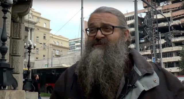 Полиција хапси монаха Антонија (Видео уживо)