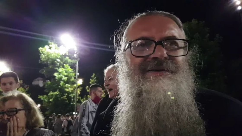 Полиција у Ваљеву ухапсила монаха Антоније због учешћа на протестима у Београду!
