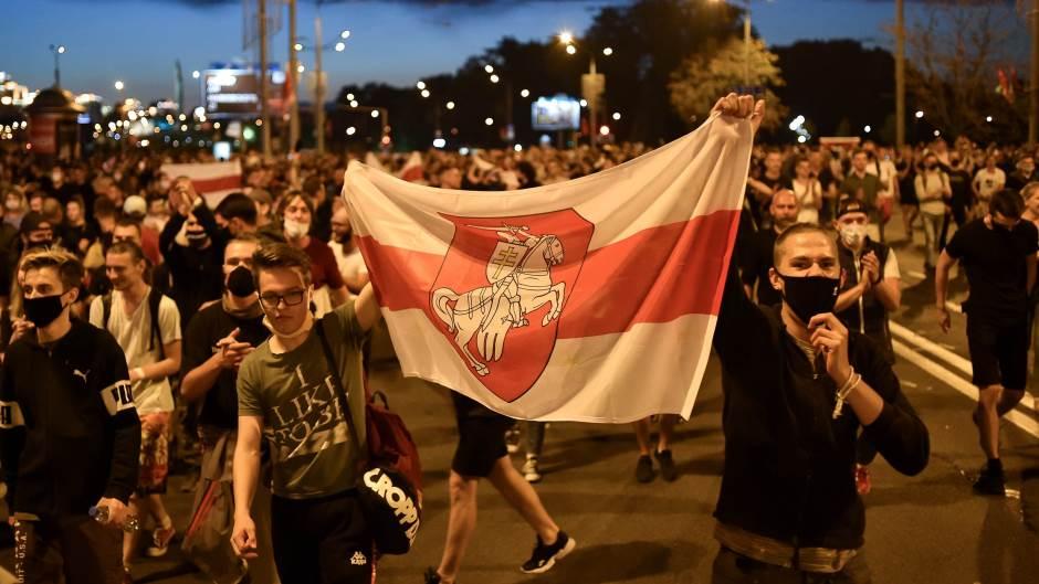 Руски сенатор: Протесте у Белорусији организовао Запад