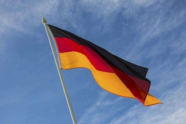 Почело је….Немачка запретила прва   Васељенска ТВ