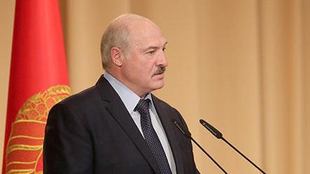 Нисам вечан, нисам светац: Лукашенко спреман да преда овлашћења након усвајања новог Устава