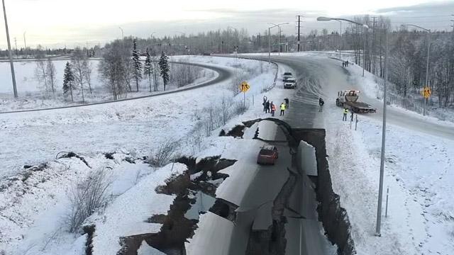 09.12.2018 ::: Oštećen put popravljen za 5 dana - na Aljasci to nije problem (foto+video)