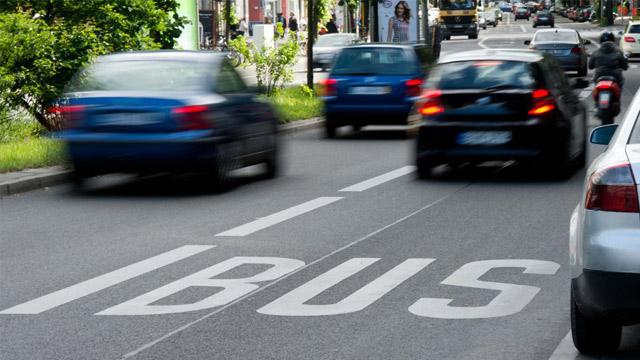 10.11.2019 ::: Automobili sa najmanje troje ljudi, u Nemačkoj bi mogli da koriste i traku za javni prevoz