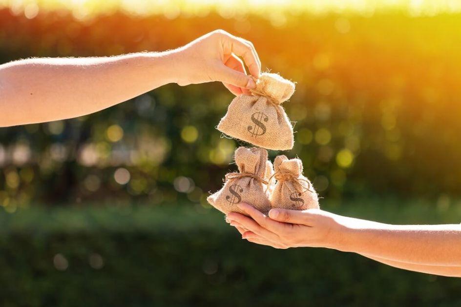 10 narodnih verovanja – evo kako da novac ostane u kući