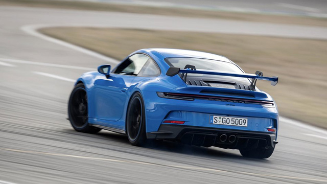 12.04.2021 ::: Novi Porsche 911 GT3 tokom testiranja prešao 5.000 kilometara brzinom od 300 km/h (FOTO)