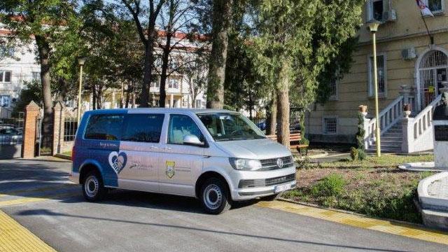 14.12.2019 ::: Volkswagen Transporter za lakšu i sigurniju mobilnost dece sa oštećenim vidom