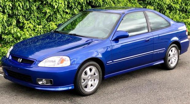 20 godina stara Honda Civic promenila vlasnika za 50.000 dolara