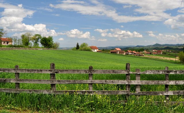 21. vek na srpskoj planini: Staru kolibu zamenili savremenom farmom