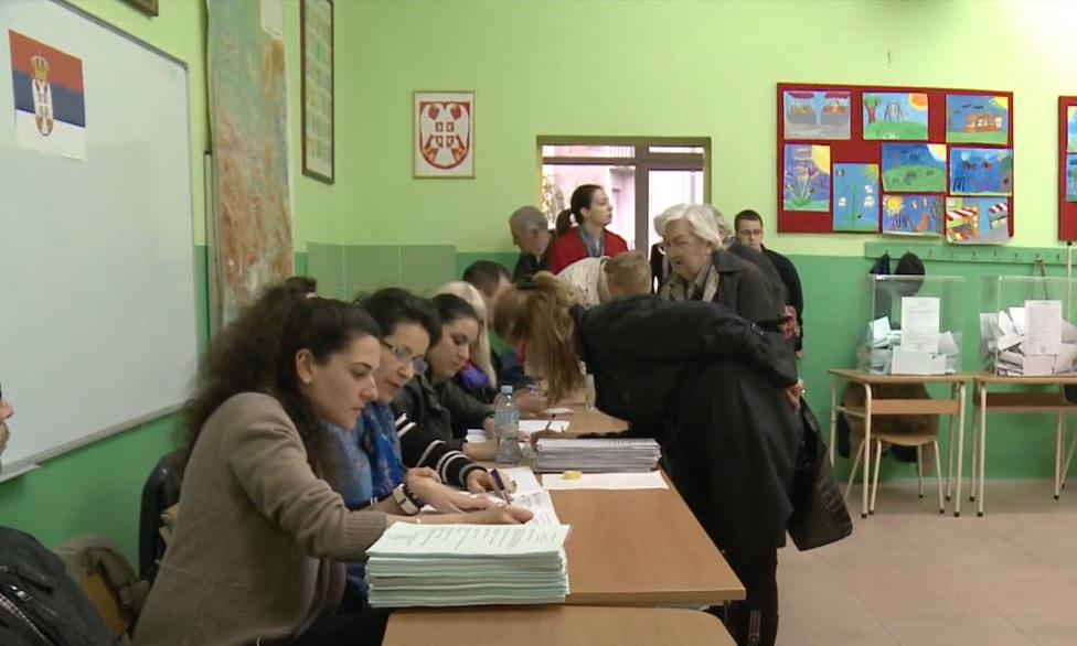НЕЗАБЕЛЕЖЕНО У ИСТОРИЈИ ИЗБОРА У СРБИЈИ: Од 327 бирача, за СНС гласао 361!