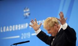 AFP: Boris Džonson, pristalica Bregzita po svaku cenu, pred vratima Dauning strita