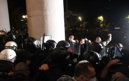 AFP: Protesti u Srbiji posle predsednikove najave policijskog časa zbog epidemije