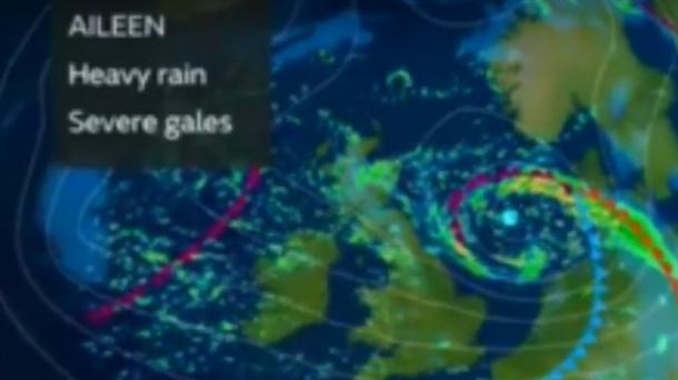 AJLIN pogodila Britaniju, lete krovovi (VIDEO)