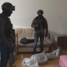 AKCIJA GNEV NASTAVLJA DA KOSI KRIMINALCE: Uhapšen mladić (20) zbog narkotika i posedovanja oružja