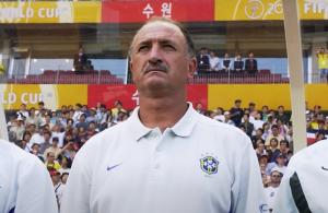 AKO IMATE PROBLEM, POZOVITE SKOLARIJA: Legendarni Brazilac obezbedio opstanak, a onda napustio klub!