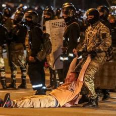 AKTIVIRALA SE VOJSKA U PRESTONICI BELORUSIJE! Demonstranti ne odustaju - IMA POVREĐENIH (FOTO/VIDEO)