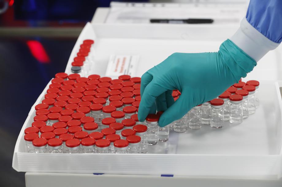 AKTUELNO: U Srbiji novih 1.318 slučajeva koronavirusa, preminulo 18 osoba