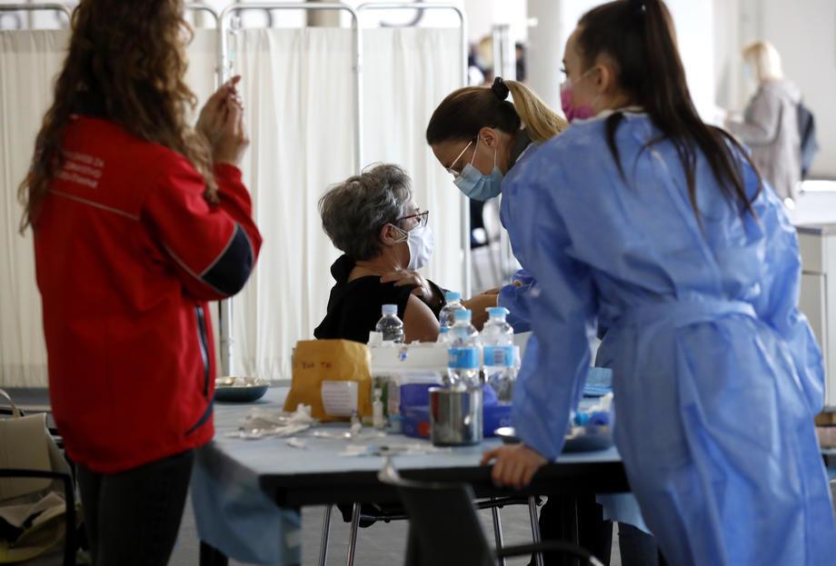 AKTUELNO: U Srbiji potvrđeno 298 novozaraženih, preminule 2 osobe
